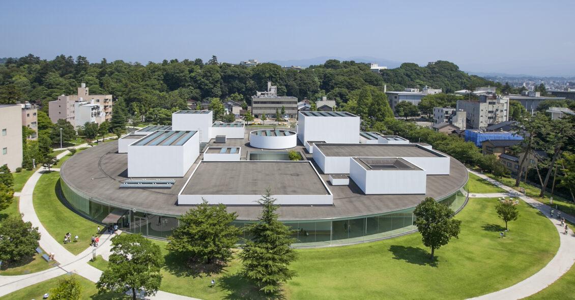 21st_Century_Museum_of_Contemporary_Art,_Kanazawa011